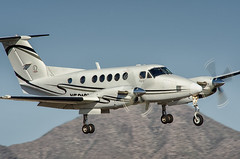 "beechcraft b200 super king air (Matt ""Linus"" Ottosen) Tags: airport nikon king air super scottsdale beechcraft kingair b200 scottsdaleairport superkingair sdl ksdl d7000"