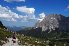 Ein letzter Blick (Steffen Knalltte) Tags: tirol sterreich olympus ehrwald alpen wandern omd em10 coburgerhtte miemingergebirge