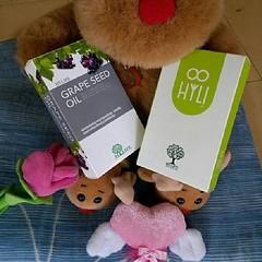 สาวๆ ทุกคนต้องลอง HOT!!!!สุดยอดอาหารเสริม สำหรับผู้หญิง ขาวใสแบบเร่งด่วน  คู่ซี้ #ขาว+ใส #ยกกำลังสอง ??HYLI + Grape seed oil?? คู่ซี้ผิวใส ขาวออร่า ง่ายๆแค่อย่างละ 1-2 แคปซูลก่อนนอน  HYLI??ช่วยปัญหาผู้หญิง...เห็นผลใน 3-5 วัน ??อกไข่ดาว ไฮลี่ช่วยได้ ??#ตกข