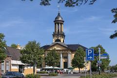 Kerkdienst (Pieter Musterd) Tags: holland church canon nederland nl kerk friesland openair fietsvakantie musterd kerkdienst pietermusterd pmusterdziggonl sintjacobaparochie fietsvakantie2014