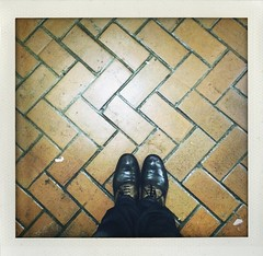 179/365 -- waiting. ([robotkid]) Tags: sanfrancisco california project muni 365 itsme challenge iphone apieceofme shakeit 5s witing iphoneography