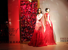 Neiman Marcus - IMG_6669 (T.L.A.) Tags: christmas red party holiday mannequin window square san francisco display marcus union cocktail gown visual merchandising neiman rootstein 2013