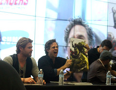 CHRIS HEMSWORTH AND MARK RUFFALO HOLDING UP THE HULK POSTER (A-VO) Tags: chris america scarlet booth paul james evans san comic witch mark maria nick hill aaron johnson diego center jeremy quicksilver jackson age captain convention taylor l hawkeye hulk jarvis thor marvel samuel ruffalo con fury avengers renner sdcc the 2014 colbie spader bettany ultron smulders hemsworth sdcc2014