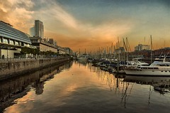 Barcos aparcados - Boats parked (celta4) Tags: sunset water rio clouds marina buildings river boats agua buenosaires barcos nubes ocaso argentian eidficios