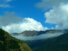 Nuvols als Pirineus (bertanuri bcn) Tags: barcelona leica portrait france montagne landscape lumix photography europe bcn frana paisaje panasonic explore nubes montaa francia lanscape paissatge pyrenees montagnes pirineos montanya pirineus nuvols pirineo languedocro