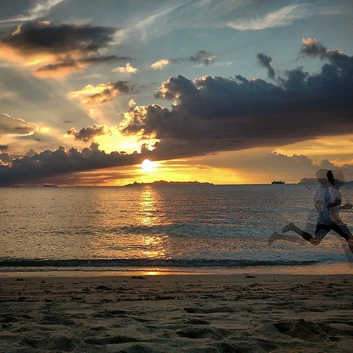 #sunset #kohsamui #clouds #run #runner #sea