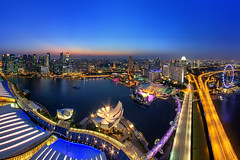 MBS Skypark (Mabmy) Tags: city sunset panorama rooftop colors skyline canon flyer singapore sigma casino cbd bluehour 12mm hdr mbs centralbusinessdistrict skypark 1dx marinabaysands manualblending floatingstadium