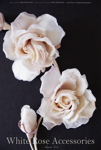 白色玫瑰胸花花飾