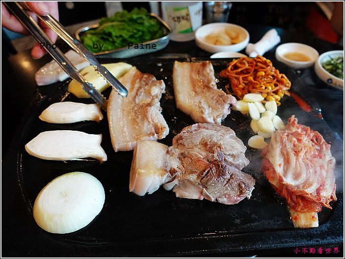 濟州島黑豬肉烤肉一條街-香氣烤肉 (27).JPG