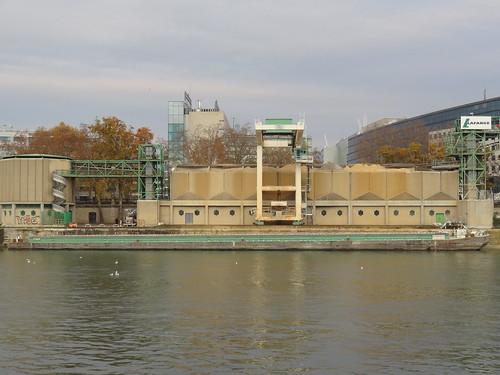 Cimentiers des berges de Seine