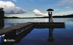 swietliste-artystyczna-fotografia-slubna-Wdzydze-Kiszewskie-romantyczny-plener-parasolka
