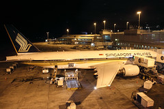 9V-SVO_NZAA_5317 (ZK-NGJ) Tags: singaporeairlines 9vsvo boeing777212er28533 15september2014auckland