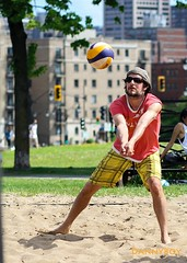 Beach volleyball in Montreal. (Danny VB) Tags: canada beach canon plongeon athletic sand quebec action montreal dive playa beachvolleyball 7d spike volleyball athlete dannyboy dig plage volley 135mm volei voleibol 135mmf2l 135mmf2 ef135mmf2l ef135mmf2lusm canoneos7d volleyballdeplage canon7d sportdéquipe dannyvb volleyballdig thedivingdig plongeondevolleyball plongeondevolleyballdeplage teamworksport