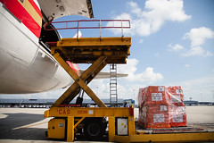 DIRECT_RELIEF_EBO_SHIP-34 (Direct_Relief) Tags: 747 ebola airlift directrelief humanitarianaid ebolaresponse httpwwwdirectrelieforg ebolaaid photobydirectrelief httpdirectrelieforg