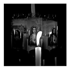 sacré-coeur (japanese forms) Tags: ©japaneseforms2017 ボケ ボケ味 モノクロ 日本フォーム 黒と白 bw blackwhite blackandwhite blancoynegro bokeh candid crucifixion freedomfromreligion inri jésus jesús jesus jesuschrist jezus jezuschristus martyr monochrome random religion schwarzweis square squareformat strasenfotografie straatfotografie streetphotography vlaanderen zwartwit