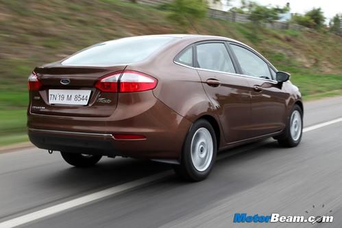 2014-Ford-Fiesta-03