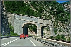 Travelling... (Stefy_P) Tags: flickr strada rosso colori francia viaggio fiat500 provenza automobili