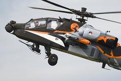 AH-64D Apache (Jaapio) Tags: show airplane apache aircraft air airshow heli helikopter aviaton gilze ah64 rnlaf klu rijen ah64d ehgr