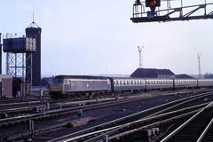 87 039 180587 Leeds 47597 (The KDH archive) Tags: 1987 leeds railway class47 47026 47597 d1597