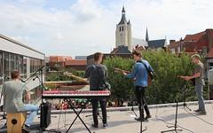 Bandits spelen op dak Ursulinen (mechelenblogt_jan) Tags: mechelen bandits ursulinen olvoverdedijlekerk