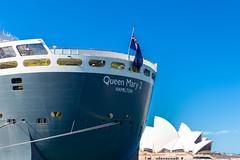 RMS Queen Mary 2 + Sydney Opera House / Sydney, Australia / SML.20140314.6D.30834
