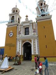 Iglesia de Nuestra Señora de los Remedios - Cholula, Puebla, Mexico - July 6, 2014 (mango verde) Tags: churchofourladyofremedies iglesiadenuestraseñoradelosremedios xelhua quetzalcoatl greatpyramidofcholula tlachihualtepetl cholula puebla mexico mangoverde