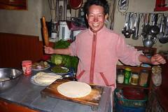 Mama im Element... (Alfesto) Tags: nepal trekking himalaya kagbeni frhlingsrollen uppermustang chhusang knigreichmustang