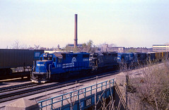 BEND TOWER (rrradioman) Tags: bridge tower sign pc bend south central may indiana penn 1981 cr conrail gp38 8181