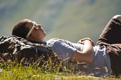Le calme de la montagne (Mamselle Tiff) Tags: mountain montagne trekking walking soleil hiking rando t valthorens calme homme randonne paisible valtho beautemps d5100 nikond5100