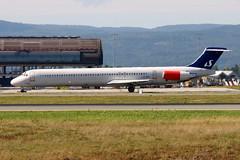 SAS LN-RMR, OSL ENGM Gardermoen (Inger Bjørndal Foss) Tags: norway sas osl gardermoen engm md82 lnrmr
