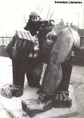 "ND: ""Gorilla"" by Tom Gleeson in Theatre Square, Swindon (Local Studies, Swindon Central Library) Tags: bw sculpture art statue gorilla swindon photograph publicart wiltshire 1990s 1990 adver tomgleeson swindonart wiltsnews"