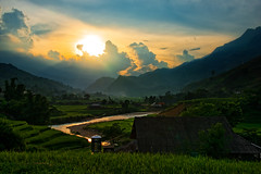 Sunset in Sapa Vietnam (CamelKW) Tags: sunset clouds trekking river village vietnam sapa riceterraces hilltown hilltribe northernvietnam hilltribesvillages vietnam2014
