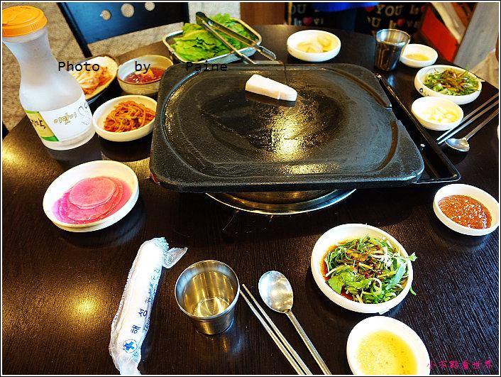 濟州島黑豬肉烤肉一條街-香氣烤肉 (4).JPG