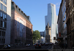 View along Eschersheimer Landstrasse, Frankfurt, Germany (JH_1982) Tags: city urban germany deutschland cityscape hessen view frankfurt alemania tor allemagne germania francfort frankfurter hesse meno landstrasse urbanity francoforte eschersheimer フランクフルト fráncfort франкфурт フランクフルト・アム・マイン 美因河畔法兰克福 nextower
