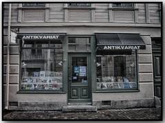 Sinsiter Second Hand Bookshop (swenwüllter) Tags: bookstore bookstores bookshop books libreria librerias haga göteborg goteborg