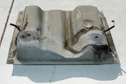Vanagon fuel tank seals (1)