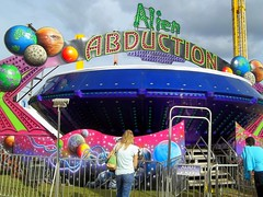 alien abduction ride - photo #25