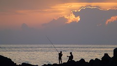 Salute (e_j_a) Tags: sunset men clouds 1025fav fishermen fisher atlanticocean canaryislands lagomera fav10