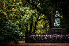 Camilla Collett // Oslo, Norway (Aleksanderjohan) Tags: nature oslo norway statue canon eos sigma 28 royalcastle slottsparken 1770mm 700d canoneos700d