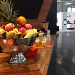 "#HummerCatering #Eventcatering #Messe #Düsseldorf #Composite2014 @ceshow #Smoothiebar #Fruchtdrink #Obstbecher #Früchte #fingerfood http://hummer-catering.com • <a style=""font-size:0.8em;"" href=""http://www.flickr.com/photos/69233503@N08/15281761277/"" target=""_blank"">View on Flickr</a>"