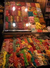 "Más Chuches - La Boqueria • <a style=""font-size:0.8em;"" href=""https://www.flickr.com/photos/66680934@N08/15303813108/"" target=""_blank"">View on Flickr</a>"