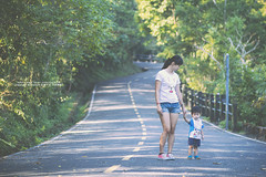 life (nodie26) Tags: morning baby canon early walk feel 85mm take f18 旅遊 小孩子 花蓮 感覺 外拍 寶寶 散步 嬰兒 鯉魚潭 lohas 清晨 早晨 壽豐 60d 樂活 壽豐鄉 環潭步道