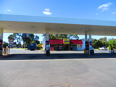 On The Run (formerly Mobil) - Kings Rd/Salisbury Hwy, Salisbury Heights (RS 1990) Tags: station mobil september gas carwash otr adelaide salisbury petrol gasoline friday southaustralia 19th 2014 ontherun kingsrd parafield salisburydowns salisburyhwy