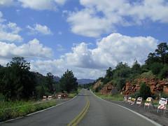 Driving to Sedona, Arizona (xscabboyx) Tags: road trip arizona inn sedona grand canyon 66 historic route caverns 89a