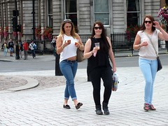 London Tourists (Waterford_Man) Tags: street summer people london girl candid tourist jeans