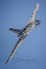 Vulcan - Shiny (G&R) Tags: canon eos 300mm airshow 7d vulcan f4 waddington 2014 xh558