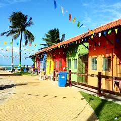 Porto de Galinhas (crismdl) Tags: brazil praia brasil bresil pernambuco sojoo portodegalinhas colorido bandeirinhas festadesojoo