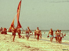 Crowd (Jean S..) Tags: beach candid male men women people sea water vintage sail