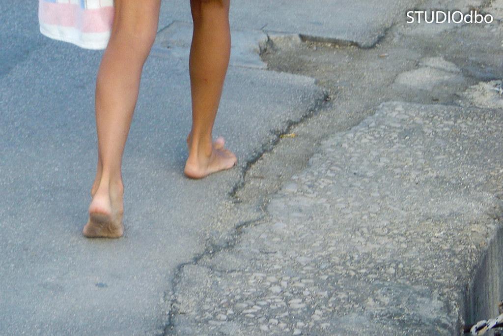 Men wearing slips pantyhose