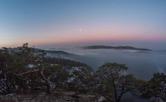 Czech view (Mayer Martin) Tags: czech czechnature river vltava view wideangel samyang8mmf35 sunrise morningfog
